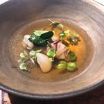 100445067 - スープ  ハムの出汁に中にはイノシシの肉に香草など