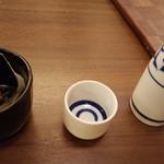 博多もつ鍋と個室 永山本店  - 日本酒とお通し