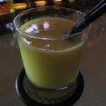 バラック - 季節のフルーツカクテル