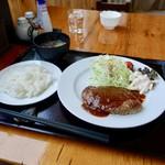 海鮮炉端 うろこ亭 - [2018/12]宗谷牛ハンバーグ定食(1000円)