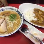 だるま軒 - みそラーメン730円とカレーライス(小盛)380円