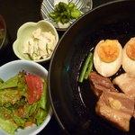 いとはん三日月 - 豚角煮定食 税込880円