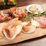 ボッテガ シモーネ - 前菜の盛り合わせ