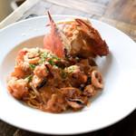 イタリア料理 ラ・フレスカ - ワタリガニと海の幸のトマトクリームパスタ
