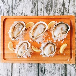 全国の旬の生牡蠣が毎日食べられる店です☆