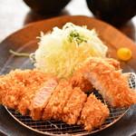 平田牧場 とん七 - 金華豚合い盛り膳