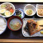 香悦 - 焼き魚定食880円!