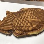 坂本屋菓子店 - 料理写真:たい焼き