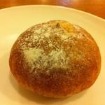ぐーちょきぱーね - 料理写真:胚芽パン
