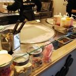ローリーズロールアイスクリームキョウト - 鉄板 この上で作る