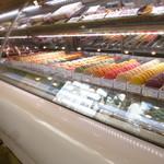 カズノリ イケダ アンディヴィデュエル - マカロンや一口タイプのチーズケーキも魅力的