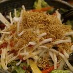 100536705 - ジャコ・大根・カリカリ梅のサラダ