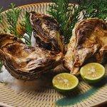桃兵衛 - 【広島 似島産】 殻付牡蠣(カキ小町)『たっぷりの肉厚とジューシーな旨味が自慢のブランド牡蠣です。』