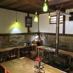 納屋珈琲 ひなた - カフェ内部1階部分