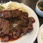 キャトルラパン - ステーキ ( ´θ`) 味噌 醤油わさび ライス
