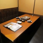 地鶏と個室居酒屋 よし河 - 内観写真: