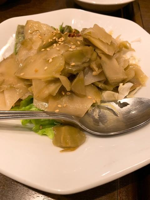 龍 刀削麵の料理の写真