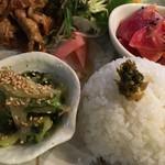 ディアマン Cafe and Diner - 青菜のツナ和え・ピクルス・紅心大根ラペ