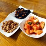 韓国の味 - おかず2点と大根キムチ
