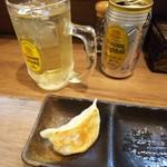 麺家 Shumen Doushi - ハイボールと餃子