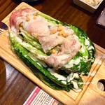 肉バルGABURICO - 焼きロメインチーズサラダ999円