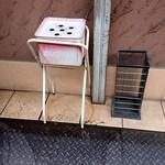 麺屋 えぐち - 店頭の喫煙所と傘立て