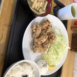 ともだち食堂 - 料理写真:からあげ定食 500円(普通盛り)味噌汁の具入れ放題
