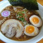 麺処 雄 - 料理写真:コクのある清湯スープベースの味玉醤油らーめん