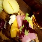 ベッカライ ベック - ライ麦パンとクリームチーズにハム