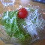 花千鳥 - 冷たくておいしいサラダ。ドレッシングもGOOD
