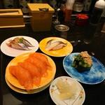 鮨処 なごやか亭  - 私が食べました。サンマは絶対!