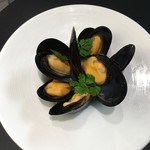 カフェレストラン ルシェッロ - ムール貝の白ワイン蒸し