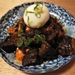 餃子ノ酒場 すえひろ - 肉豆腐半熟たまご入