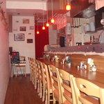 生パスタバカの店 銀座パストディオ - 夜は、落ち着いた雰囲気でゆっくりどうぞ。