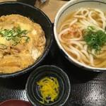 宮屋 - 親子丼セットうどん大盛1,000円
