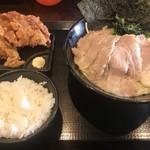 横浜家系ラーメン 翔家 -