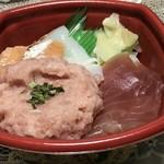 丼丸市場 - 料理写真: