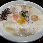 ゴルカ ヌードル ネオ - 【鯛と鶏の泡白湯ラーメン】¥980