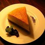 バー・ミュージック - 特製チーズケーキ