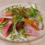 Giglio - 富山産寒ブリのクルード、鎌倉野菜とサルディーニャ産ボラのからすみ添え