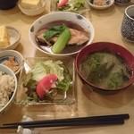 100614689 - 鰈(カレイ)の煮付け定食