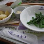 ファーム富田 ラベンダーイースト - 料理写真:ほくほくじゃがバター、採れたてアスパラバター、サクサクコーンクリームコロッケ