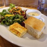 100636650 - 10種野菜のサラダが入るランチデリプレート