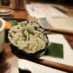 九つ井 - そば寿司のアップ