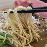 煮干し豚骨らーめん専門店 六郷 - 煮干しが麺に絡みます