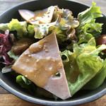 PIZZA CHECK - 平日ランチのサラダ