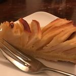 ピッコロジャルディーノ - 自家製のリンゴのタルト