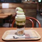 マノア バレー カフェ  - プレミアムミルクのソフトクリームパフェ 小倉抹茶☆