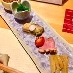 100668690 - 前菜5種(なめ茸と鬼おろし、ほうれん草、牡蠣、鴨肉、大根)