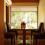 森のレストラン - 山野草園がのぞめる個室